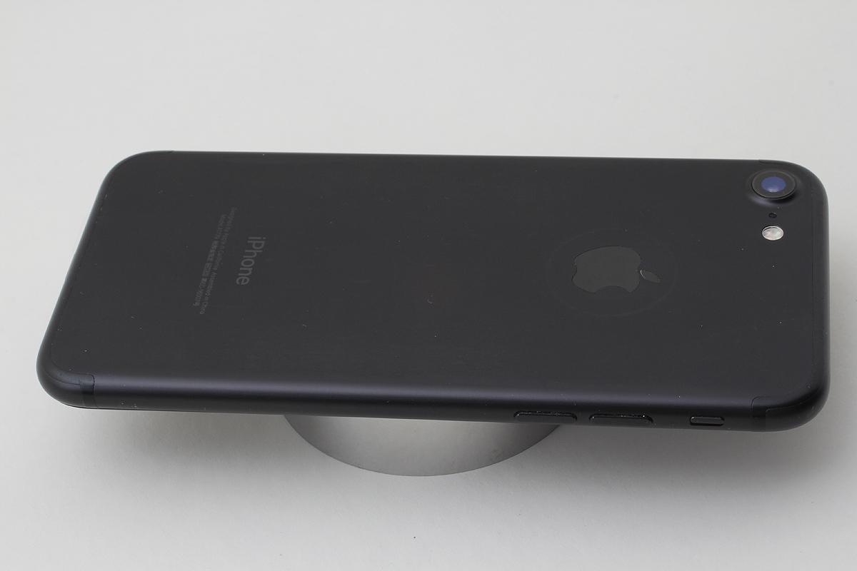 ★美品★iPhone 7 32GB ブラック(Docomo) 判定〇 バッテリー残量82% アクティベーションロック解除済 #7-81_画像7