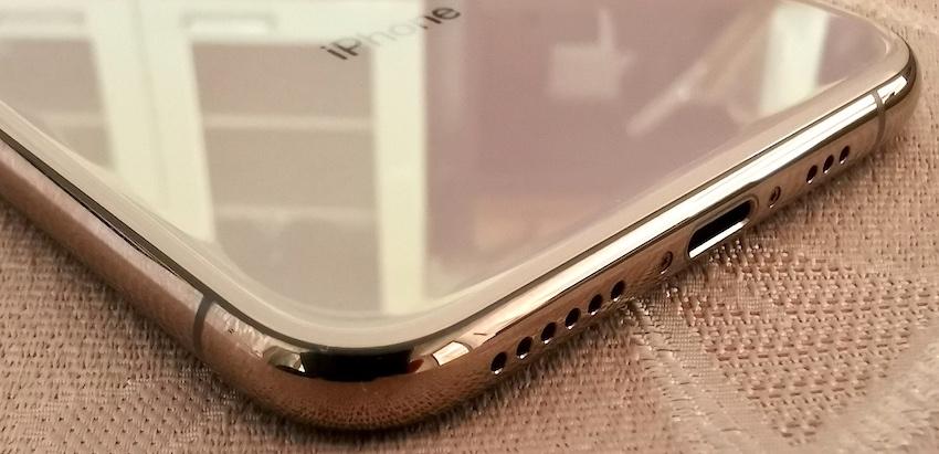 ◇ 極美品 iPhone XS 256GB ゴールド アップルストア正規品 SIMフリー ◇_画像5