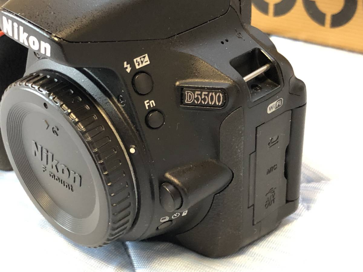 中古 ニコン D5500 ボディ ショット数5855 元箱、付属品完備_画像6