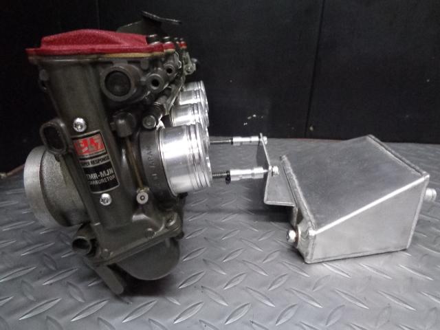 ZRX1100にも使用可/車種専用タンクもSET!
