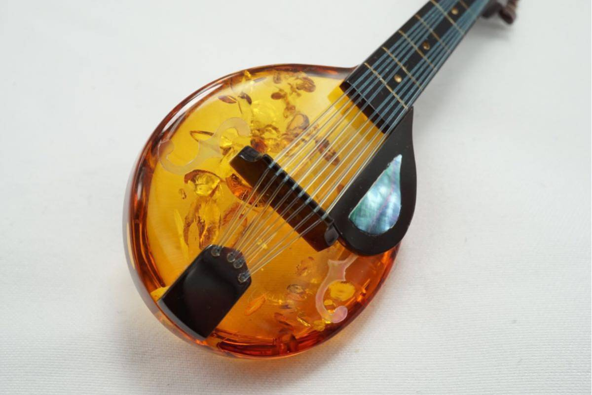A10 本鼈甲 本琥珀 弦楽器 ヴィンテージ ブローチ アクセサリー アンティーク シェル薄れあり ベッコウ コハク_画像3
