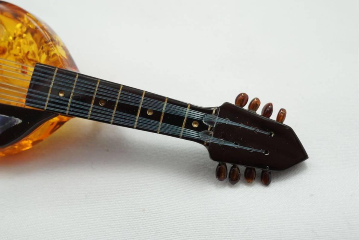 A10 本鼈甲 本琥珀 弦楽器 ヴィンテージ ブローチ アクセサリー アンティーク シェル薄れあり ベッコウ コハク_画像4