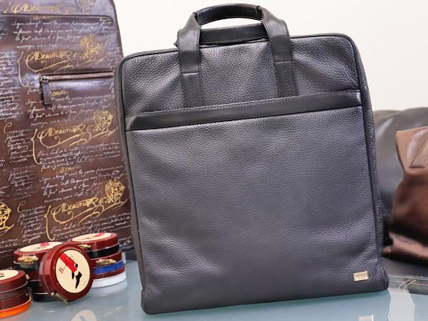 美品 ダンヒル DUNHILL 最高級シュリンクレザー縦型メンズ書類ビジネスバッグ 黒 ブラック ブリーフケース トートバッグ 本物 正規_画像1