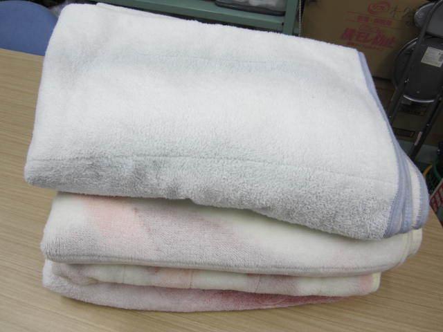 (な-Y-423) 敷き毛布4枚セット 緩衝材 あて布 保護 引っ越し 運搬用 中古_画像1