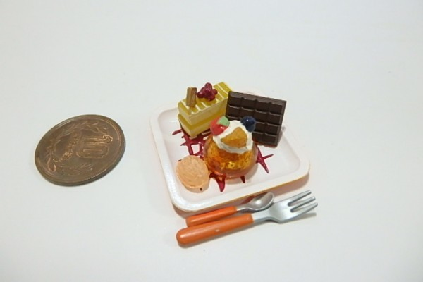 ★H444☆ミニチュア ケーキ デザート☆ドールハウス メガハウス カフェdeケーキ