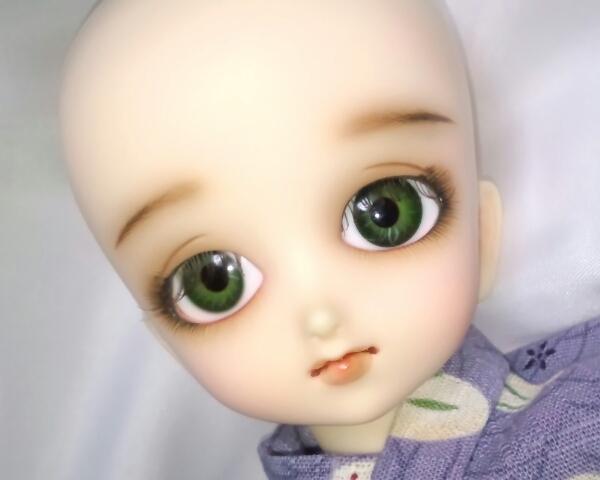 ワンオフMSD女の子すわりっこ限定なぎさ◆特注ウィッグリボン三つ編みカチューシャ造形村グラスアイ濃緑16mmボークスmayura様メイクヘッド_やや上目遣い。アイは造形村#9濃緑です。