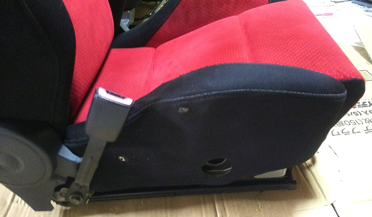 スイフトスポーツ(ZC31S)純正レカロシート助手席_画像4