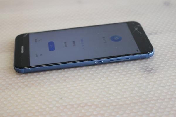 ★ジャンク!Huawei nova2 PIC-LX9 ブルー SIMフリースマホ★_画像2