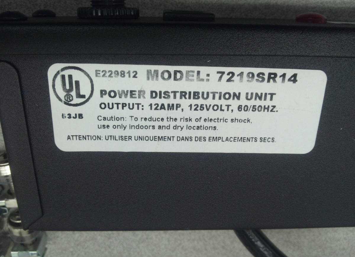送料無料 電力配分ユニット 15Amp 125Volt 60/50Hz ラックマウントPDU スイッチ 分電 配電 サーバー 電源タップ コンセント NEMA 5-15R_画像3