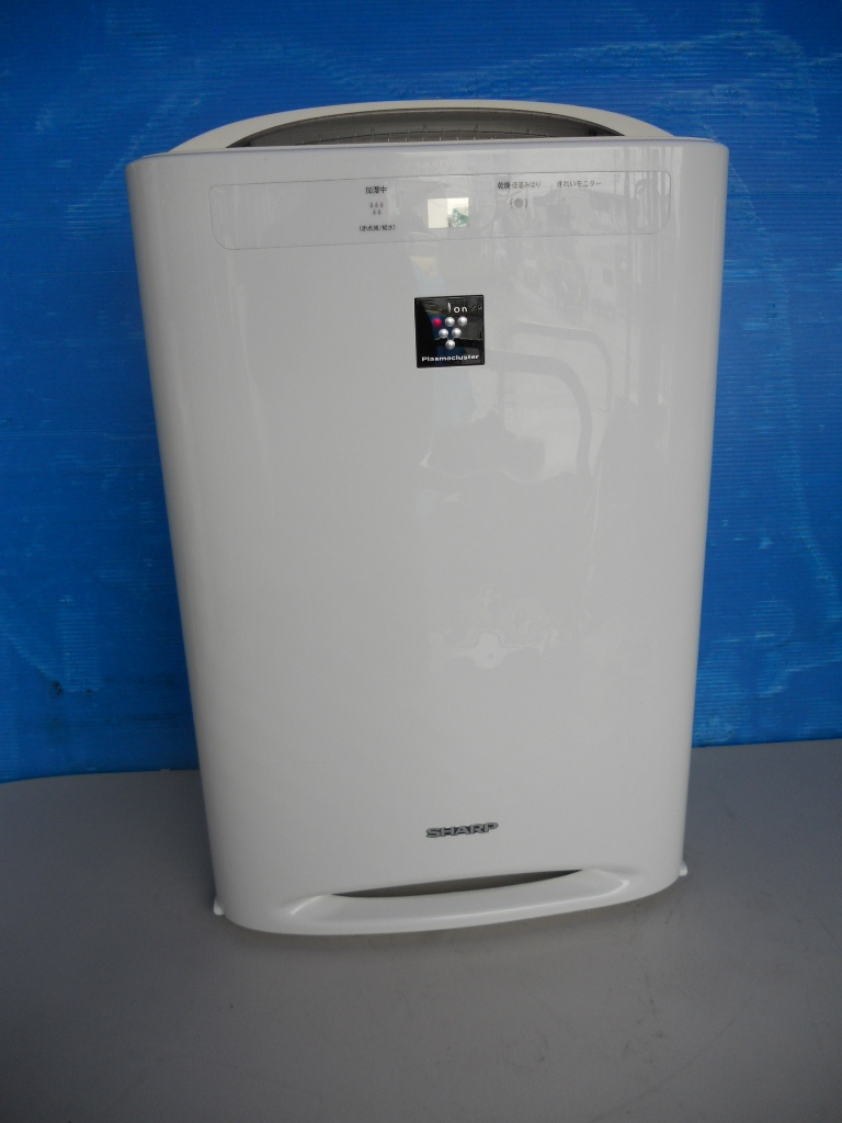 【美品】シャープ 加湿空気清浄機 プラズマクラスター搭載【KC-E50-W】_画像1