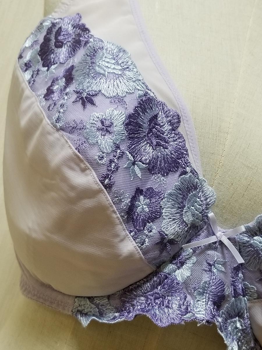 19-15 新品☆大きいサイズ 花柄刺しゅう 可愛い ブラジャー G105_画像2