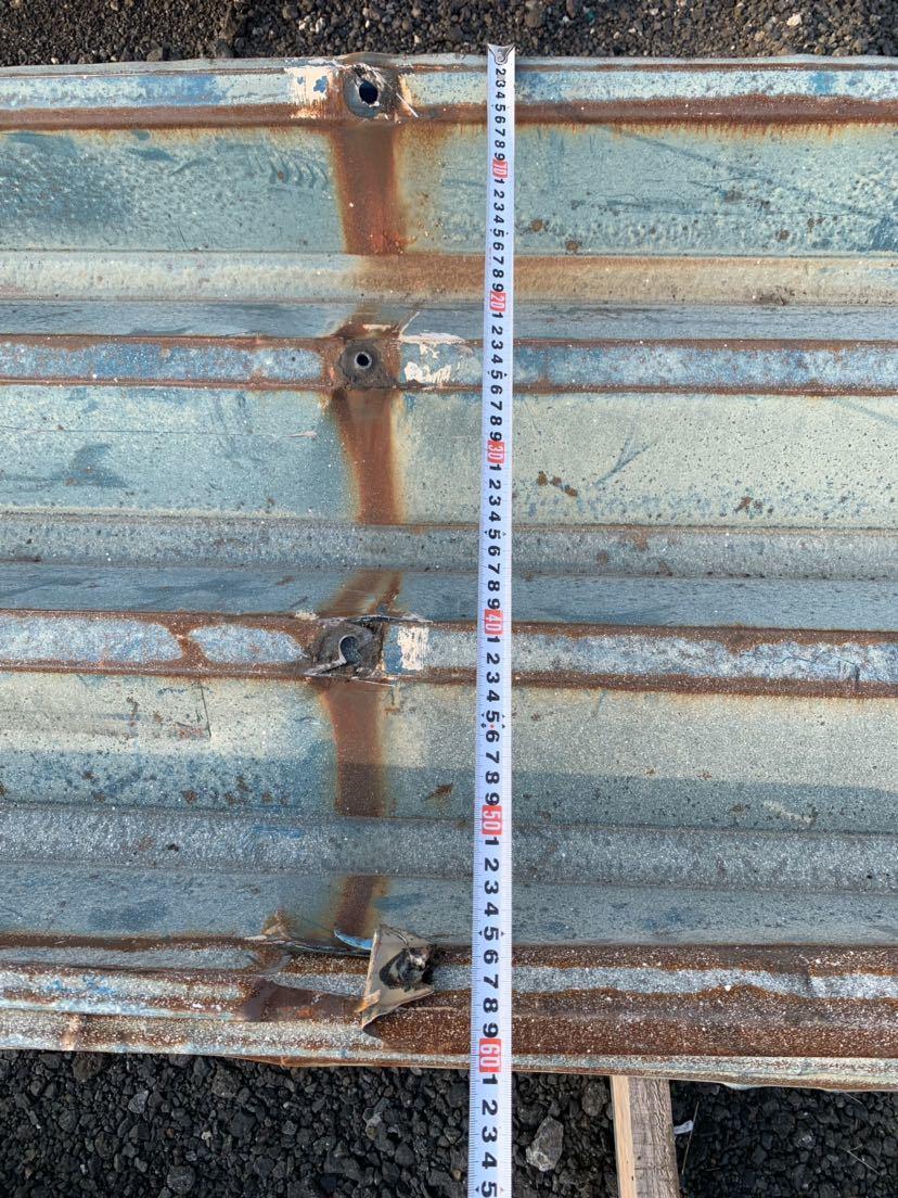 倉庫解体 壁材 外壁材 角波板 19枚 中古 建材 鉄板 屋根材 波板 トタン  長さ約3.9m前後 幅60cm前後_画像8