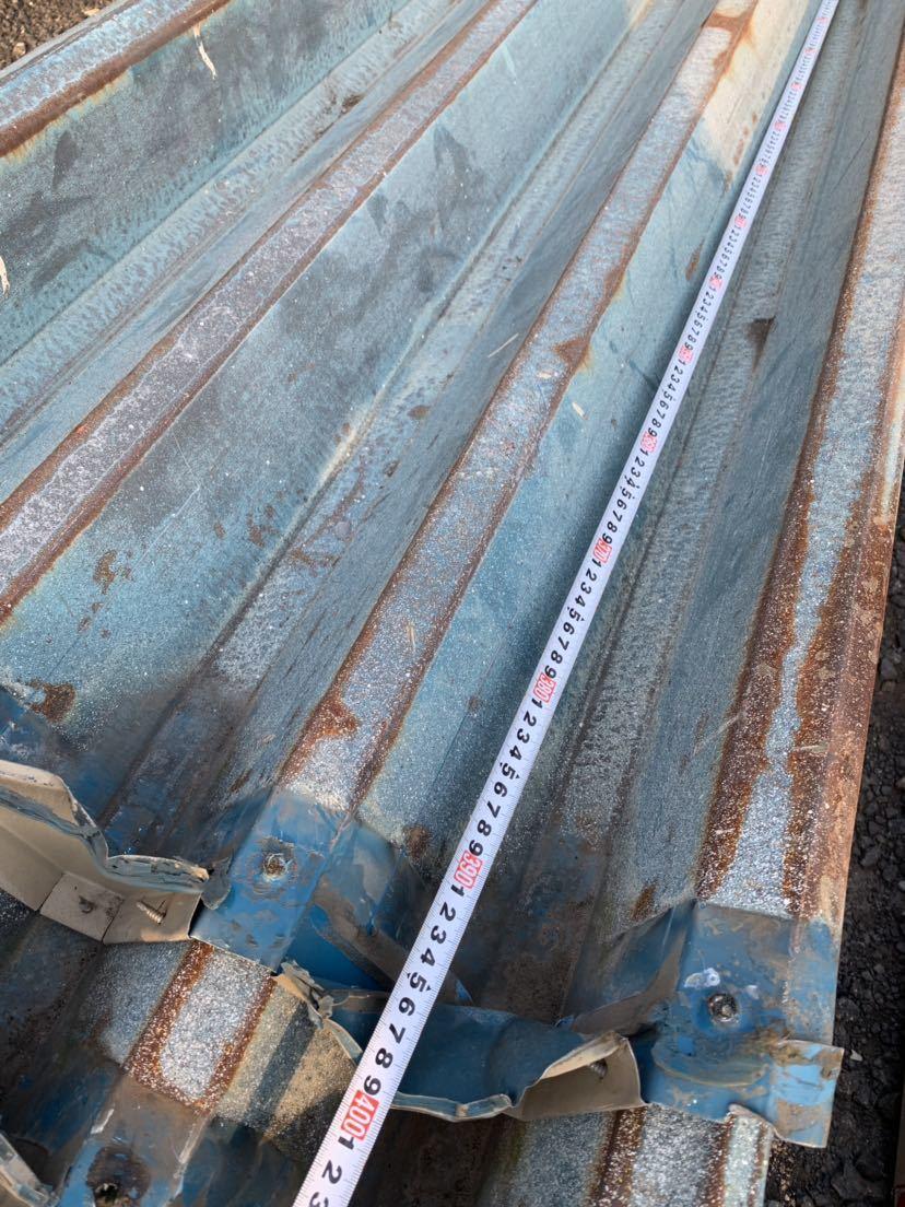 倉庫解体 壁材 外壁材 角波板 19枚 中古 建材 鉄板 屋根材 波板 トタン  長さ約3.9m前後 幅60cm前後_画像7