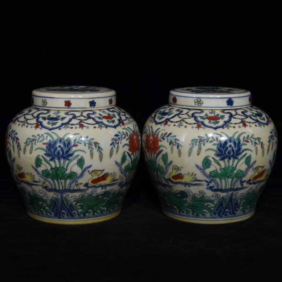 陶芸 明 成化◆斗彩鴛鴦戲水紋天字罐◆ 中国古董品 中国古美術 唐物古玩 置物