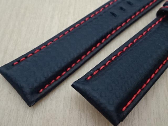 腕時計用ベルト カーボン柄ラバー 裏面レザー 20mm 黒/赤ステッチ ブラック/レッドステッチ ブラックバックル バンド_画像3