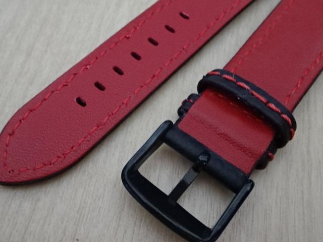 腕時計用ベルト カーボン柄ラバー 裏面レザー 20mm 黒/赤ステッチ ブラック/レッドステッチ ブラックバックル バンド_画像5