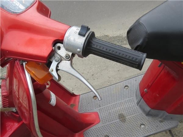 ☆HONDA ホンダ eve 50cc バッテリー新品交換済 動作確認済みですが 北海道岩見沢市引き取り限定 一般道路にて片道2~3時間程度無料配達可_画像6