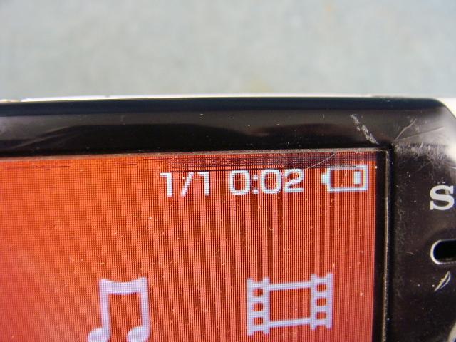 ◆UMDゲーム OK◆SONY   PSP-2000 ◆画面に黒い部分有り→ジャンク◆ _画像4