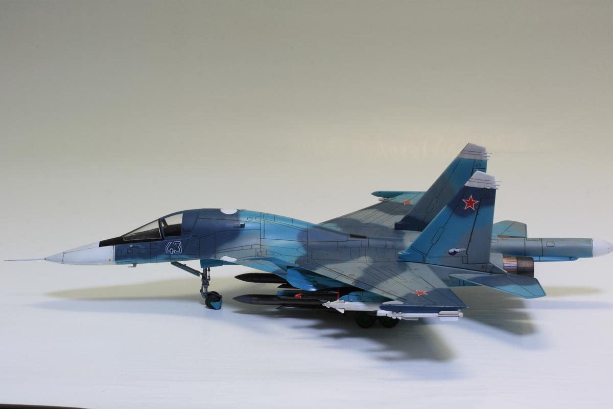 1/72 タミヤ(イタレリ) ウォーバードコレクション スホーイ SU-34 フルバック 塗装済み完成品_画像2