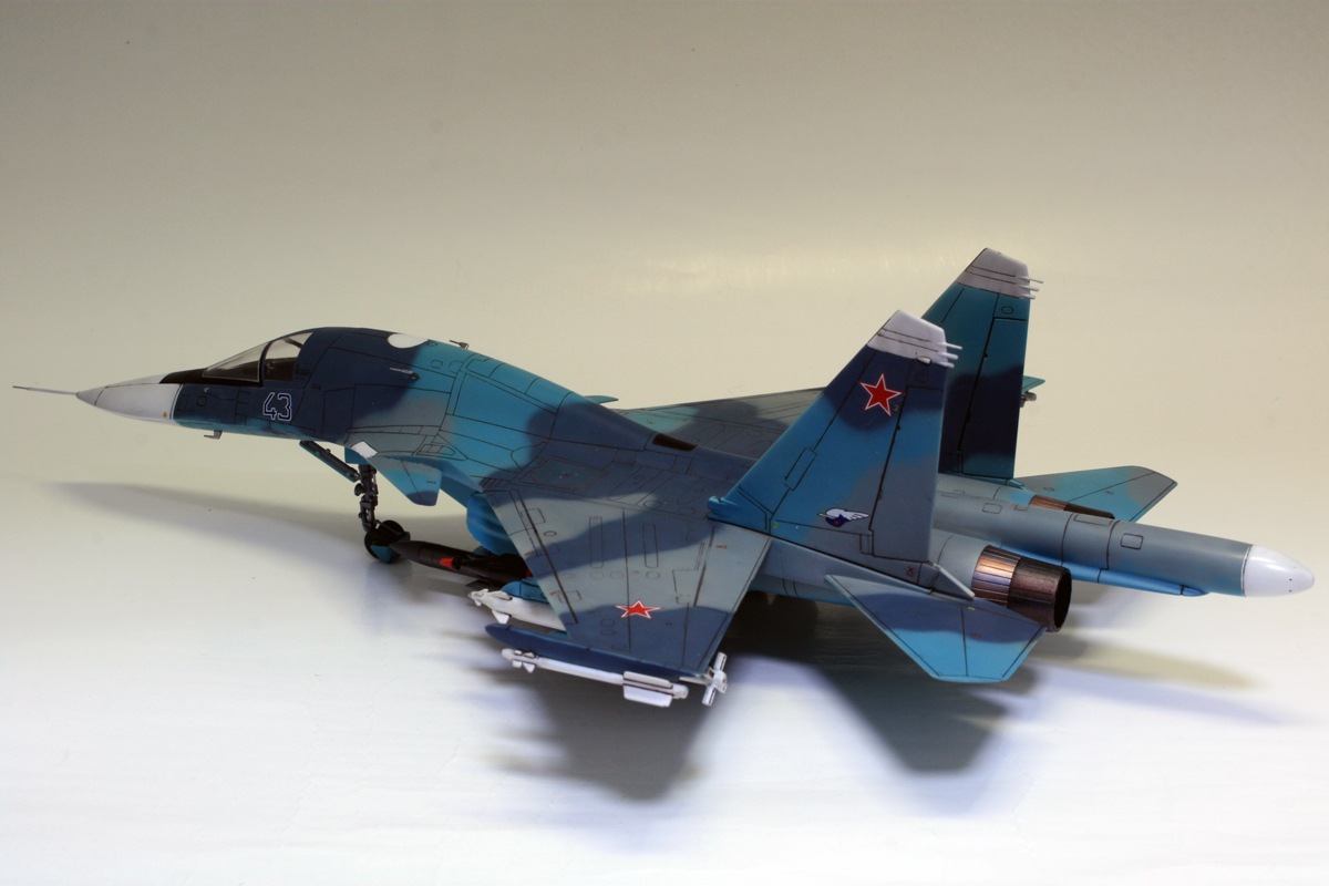 1/72 タミヤ(イタレリ) ウォーバードコレクション スホーイ SU-34 フルバック 塗装済み完成品_画像3