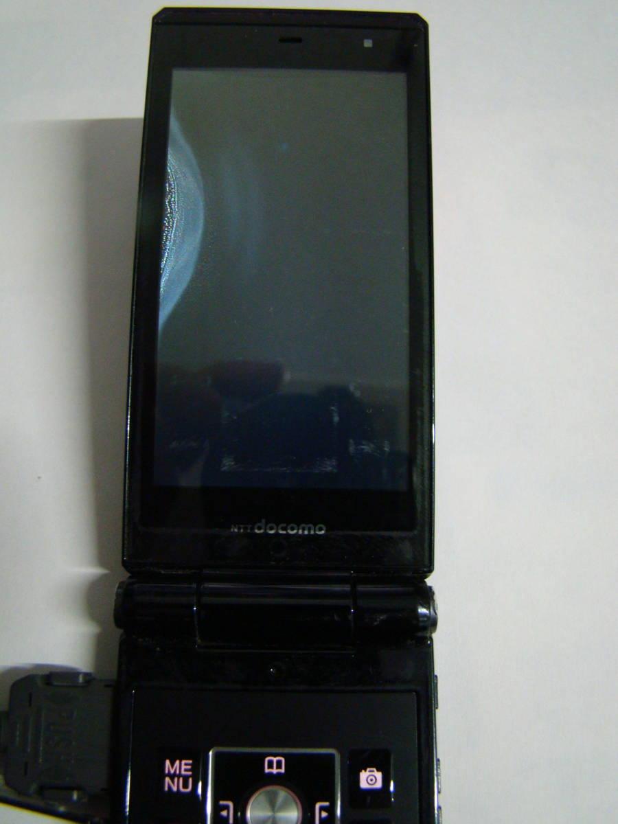 現状品  F-01E 携帯電話 docomo/富士通  ACアダプター付 ブラック イタミあり _画像10