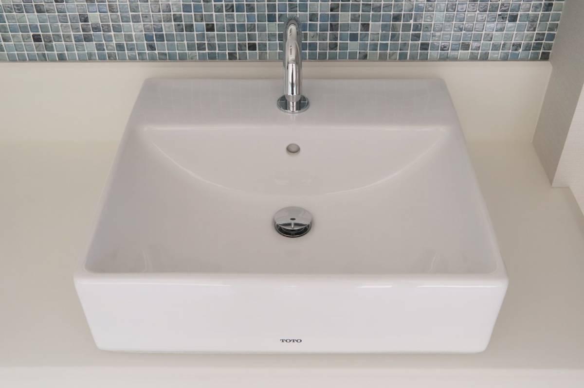 Eイ3 P04095 展示品 TOTO 水栓付き洗面台 L710C_画像6