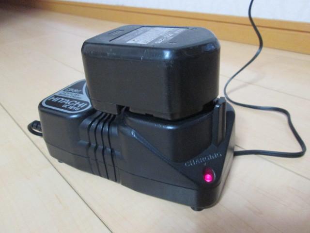 ●HITACHI 急速充電器 + 蓄電池_画像3