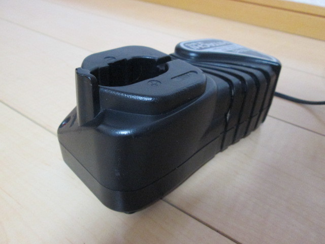 ●HITACHI 急速充電器 + 蓄電池_画像4