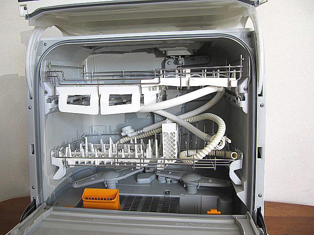 中古品/美品 2016年製 パナソニック/Panasonic 食器洗い乾燥機 NP-TR8-W  ホワイト/ECONAVI/エコナビ 搭載 食器点数45点_画像2