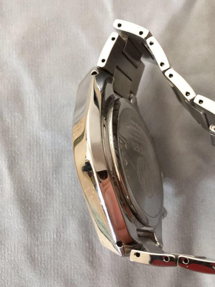 WIRED◆ワイアード クォーツ腕時計 アナログ 堅牢感のあるデザイン _画像4