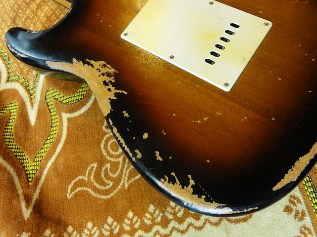 ☆☆Heavy Relic Vintage Sunburst Stratocaster Belden 配線材 レリック 調整済み☆☆_画像7