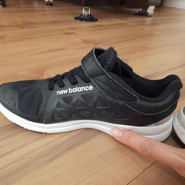 ニューバランス new balance スニーカー 入学式 運動靴 運動会 黒 男の子 女の子 マジックテープ 19 中古_画像8
