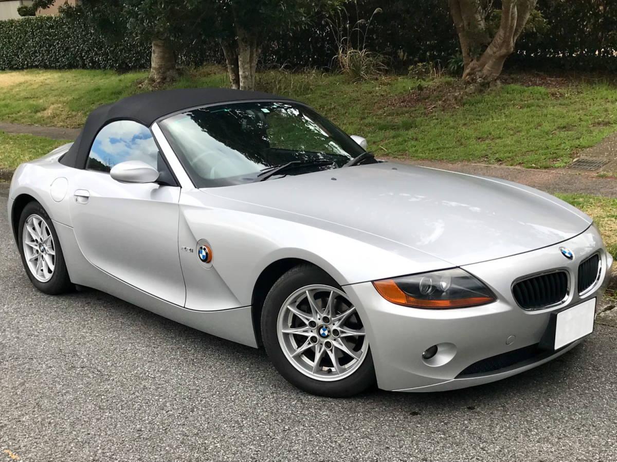 BMW Z4 2.2i 【低走行47.810 km!掘り出し物】これからの季節に最高!直列6気筒DOHC170psのシルキーシックス!ナビ/地デジ/ETC、程度抜群!_画像5