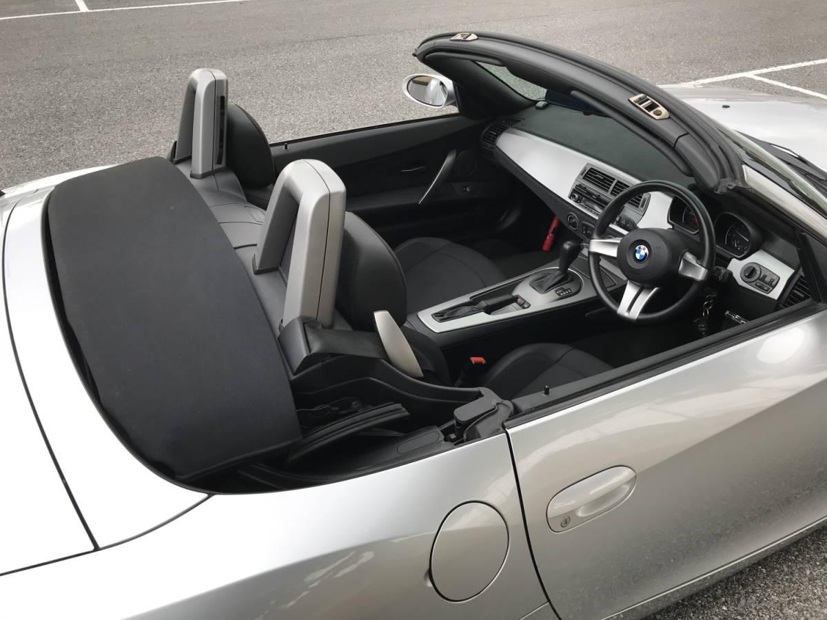 BMW Z4 2.2i 【低走行47.810 km!掘り出し物】これからの季節に最高!直列6気筒DOHC170psのシルキーシックス!ナビ/地デジ/ETC、程度抜群!_画像8