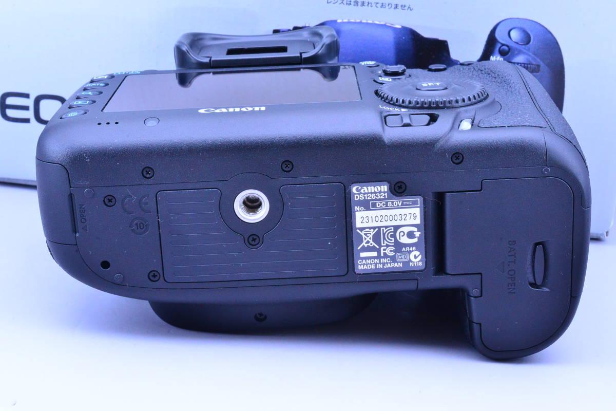 【S数5600回・新品同様】 CANON キヤノン EOS 5D Mark III マーク 3 ボディ 元箱 ★ストラップ未使用!新品と遜色ないコンディションです!_画像6