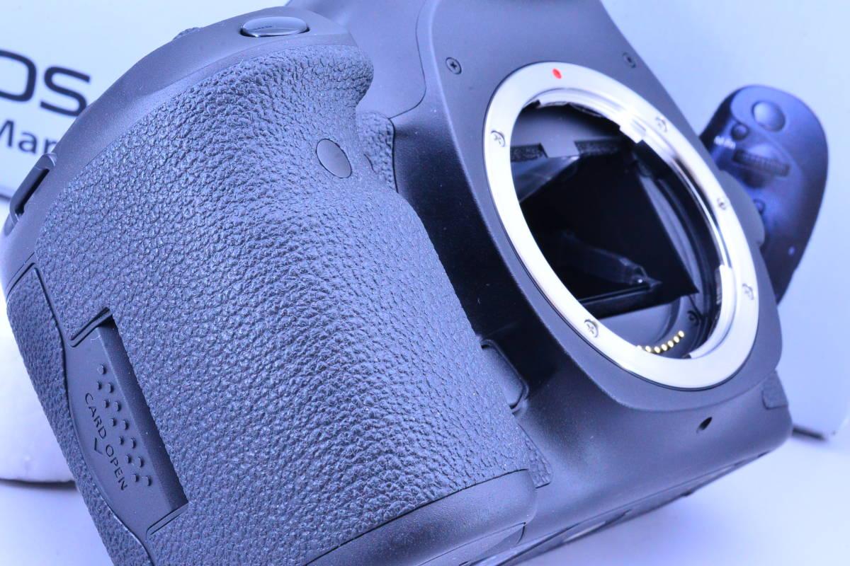 【S数5600回・新品同様】 CANON キヤノン EOS 5D Mark III マーク 3 ボディ 元箱 ★ストラップ未使用!新品と遜色ないコンディションです!_画像8