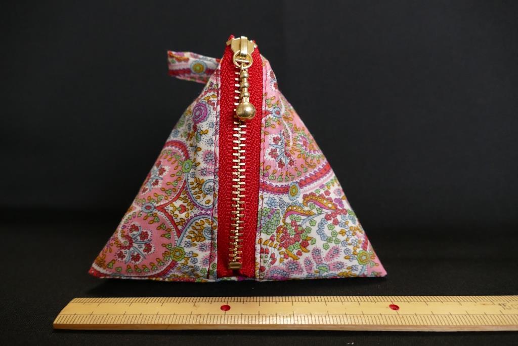 リバティ LIBERTY キティ・グレース 三角ポーチ サシェ(匂い袋・香り袋)、飴・小物入