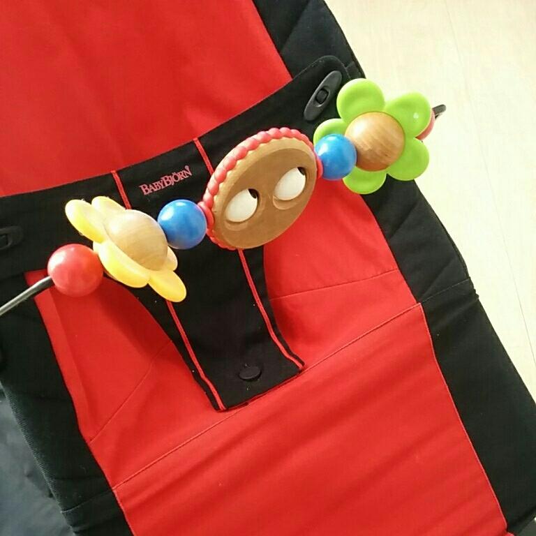 ベビービョルン バウンサー 状態良 おもちゃ付き 高さ調節可 バッグ付き 持ち運び便利_画像2