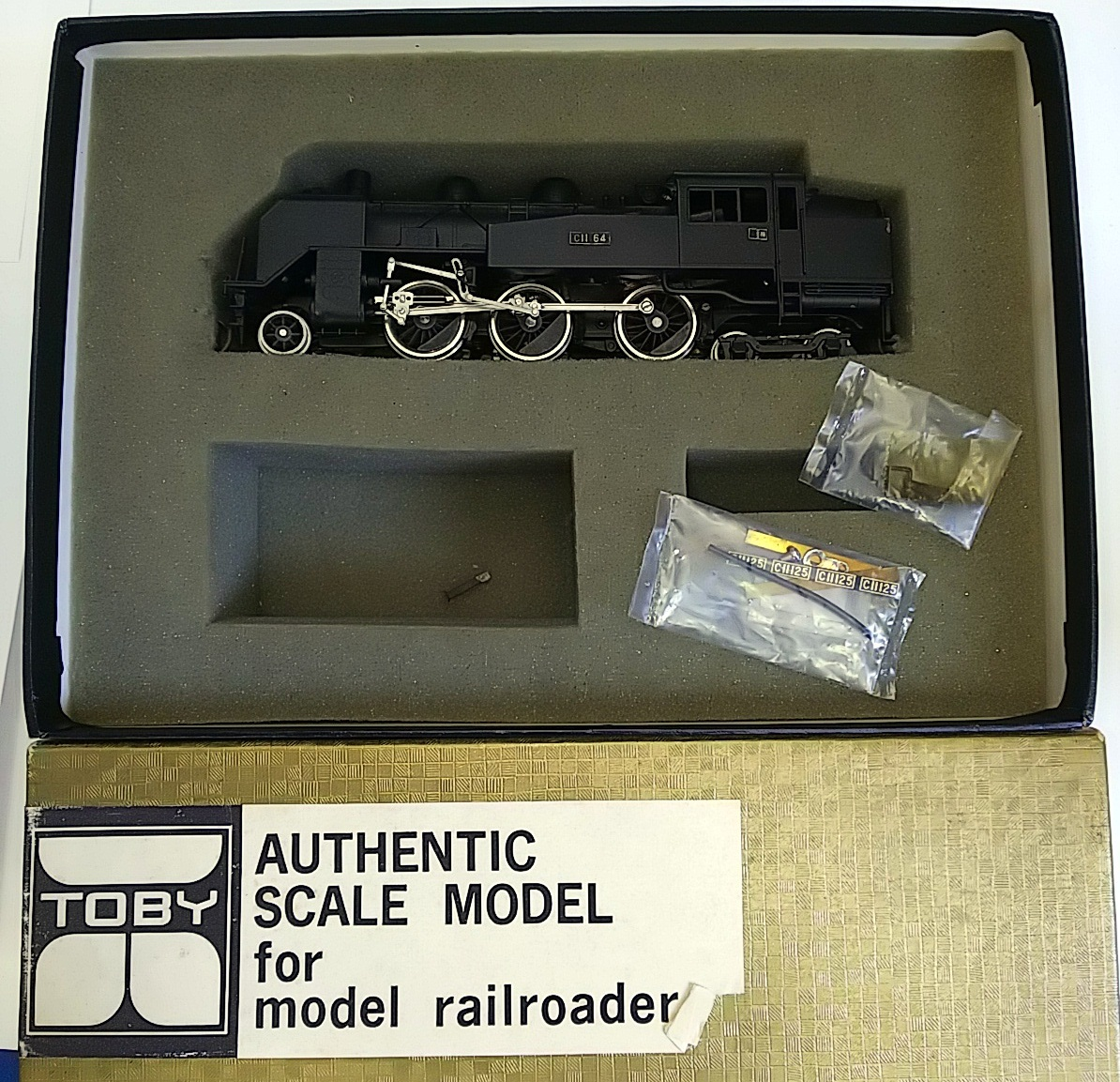 TOBY トビー模型 国鉄 C11形 蒸気機関車 HOゲージ 非可動品_画像6