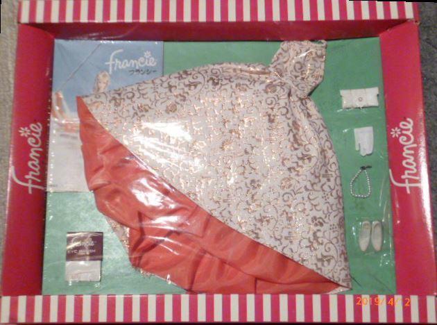 ヴィンテージバービーのいとこ フランシーのドレス(サイズはバービーと同じです)_画像2