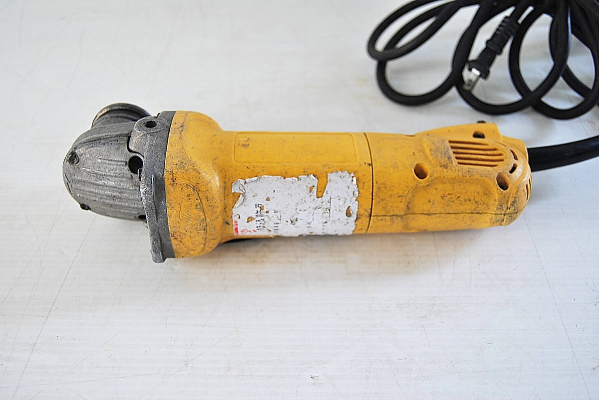 ディスクグラインダー サンダー DEWALT デウォルト D28800 サンダー 切断機 研磨機 掘削 電動工具 ツール 自動車整備機械工具 確認済_画像4