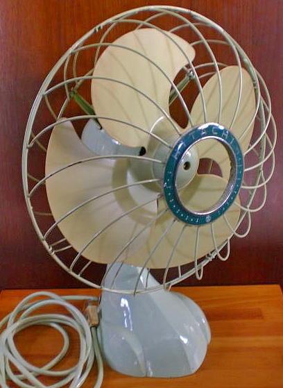HITACHI 昭和レトロ扇風機 完動品 4枚羽