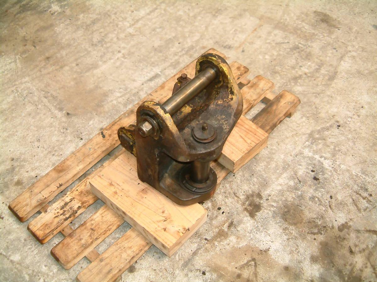 ヤンマー YB121U ブーム取り付け台 スイングブラケット ミニ ユンボ バックホー ショベル_画像2