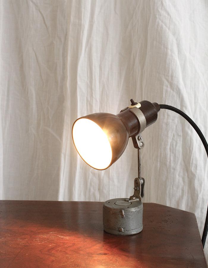 インテリア フランスアンティーク インダストリアルデスクランプ テーブルランプ 卓上照明 ライト 工業系 ひとり暮らし 新生活 勉強机 LED