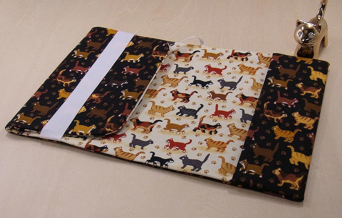 06 B ハンドメイド 手づくり 文庫本② ブックカバー 子猫たち 整列 猫 ねこ キャット cat プレゼント 贈り物_調整可能です。