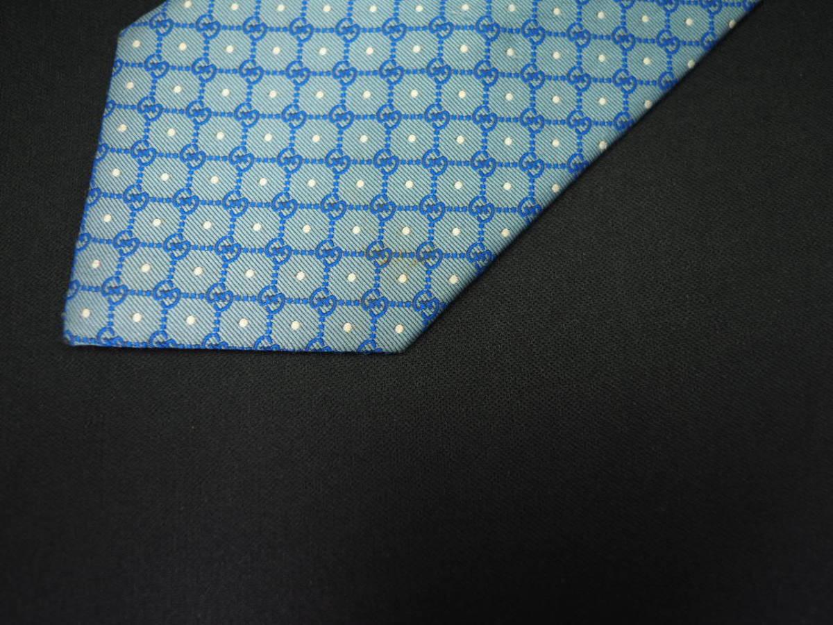【Gucci】グッチ ITALY イタリア製 アイスブルー ホワイト 【G】ロゴ総柄 ドット USED オールド ブランドネクタイ SILK100% シルク_画像4