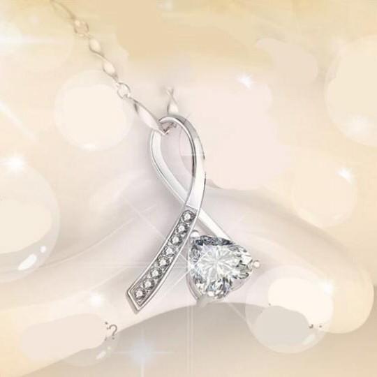 最高級の逸品 絢爛 豪華 厳選 新着 最上級8連CZダイヤモンドネックレス 刻印有 1.5ct プラチナ仕上 ハート ペンダント シルバー925_画像3