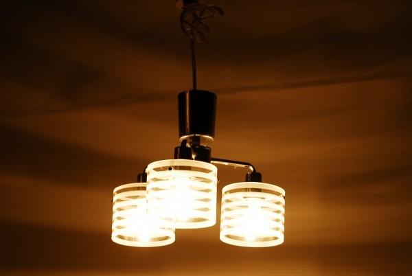 8764 3灯 シャンデリア インターフォルム LT-2073ST 天井照明 ガラスシェード_画像4