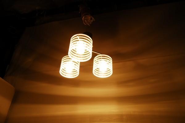 8764 3灯 シャンデリア インターフォルム LT-2073ST 天井照明 ガラスシェード_画像5