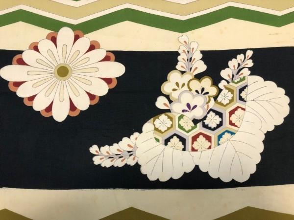 レア♪ 新古品 反物 平絹 男児着物 約11.6m 黒白 横縞 鶴 巻物 花柄 植物柄 大正ロマン レトロ ハンドメイド リメイク 和裁 材料 古布 生地_画像5